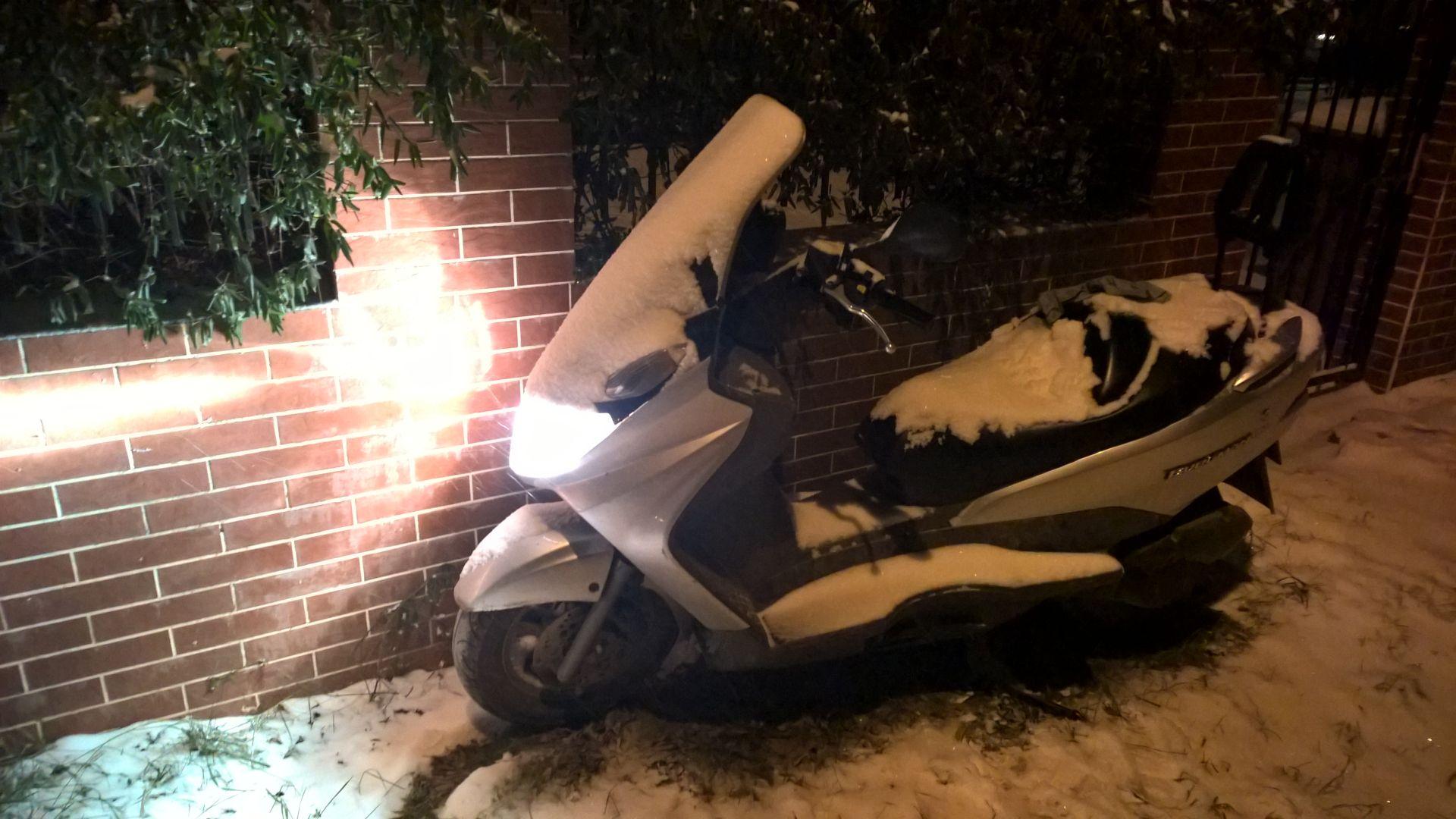 Riding Burgman in the snow